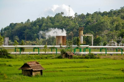Eight contracts for geothermal power and steam signed in Indonesia